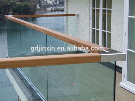 handlauf für draußen glas balkon design