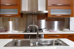 Kitchens With Stainless Steel Backsplash by Kitchen Backsplash Ideas Materials Designs And Pictures