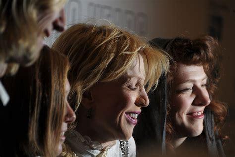 Der Schemel by Eric Erlandson Photos Photos 2011 New Directors New