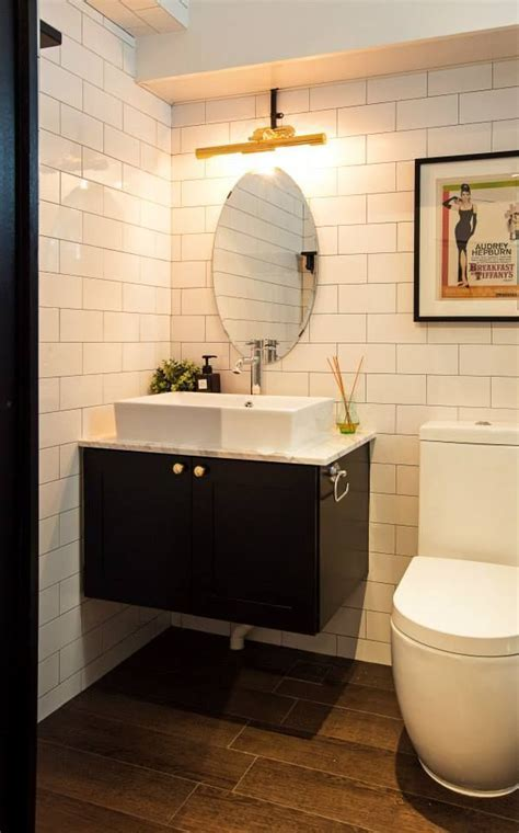SUbway tiles for toilet   Singapore HDB flat by JQ Ong