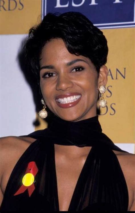 holly berry hairstyles in 1980 25 best ideas about halle berry young on pinterest
