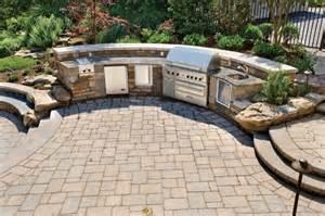 custom outdoor kitchen traditional patio