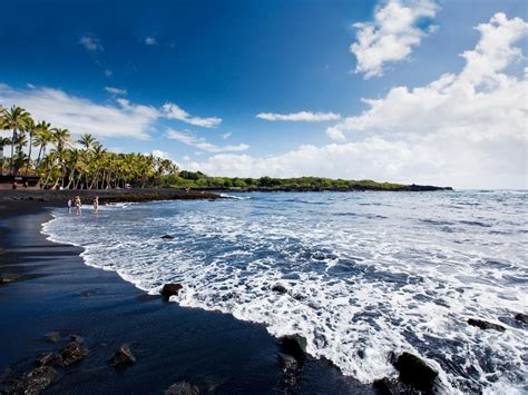 black sand beach hawaii top 10 hawaiian beaches beaches big island black sand