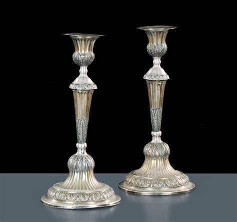 candelieri argento coppia di candelieri in argento sbalzato con punzoni