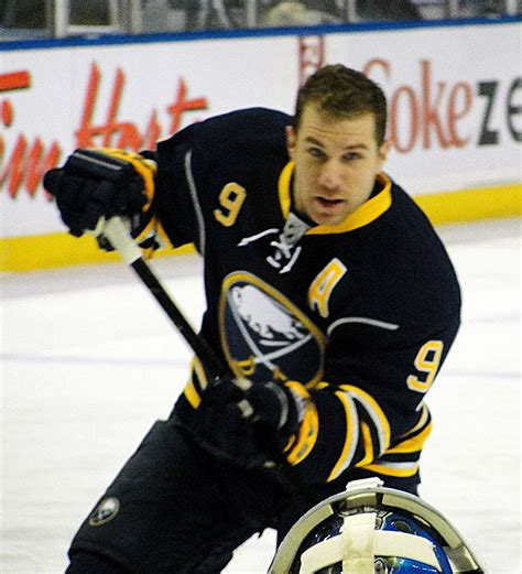 hockey biography in english derek roy wikidata