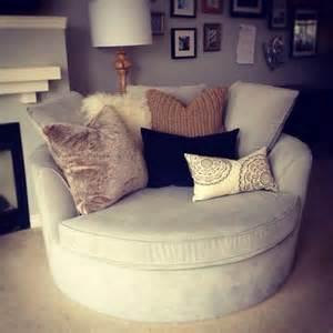 Comfy Big Chair Design Ideas 201 Pingl 233 Par Skyler Rayman Sur Home Chaise Ronde Grand Fauteuil Et Salons