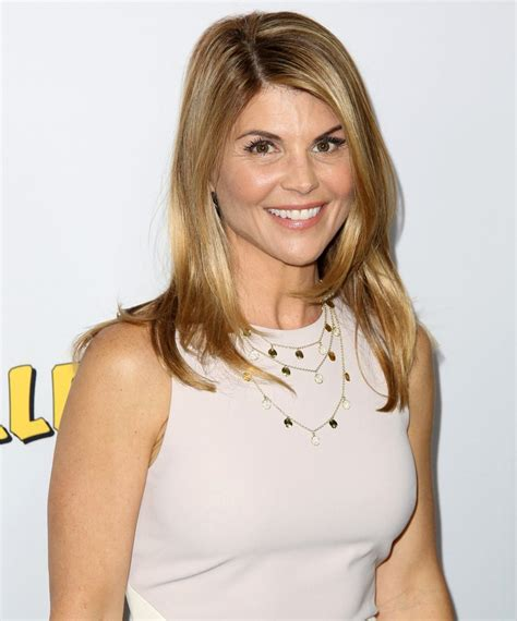 Tiny House Studio by Lori Loughlin Picture 39 Premiere Of Netflix S Fuller House