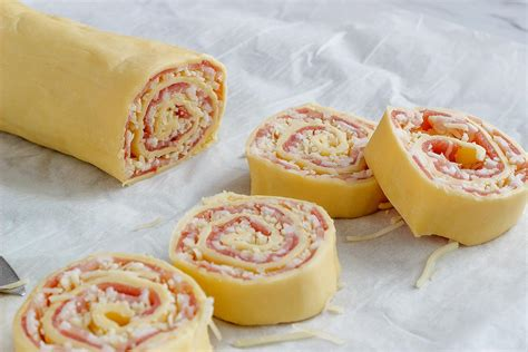 pinwheel recipes cheese and bacon puff pastry rolls