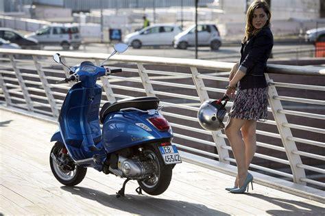 Frauen Motorrad Modelle by Vespa 125 1000ps Erkl 228 Rt Alle Modelle Motorrad Fotos