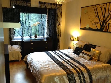 jazzys interior decorating gold black  white bedrooms