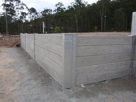 Sleeper Retaining Wall Ideas by 25 Best Ideas About Concrete Sleeper Retaining Walls On