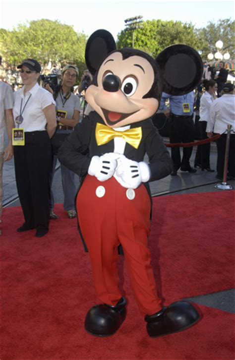 Mickey And The Suit 1 travel tuesdays goes beyond disney world an with author rona gindin part 2 pauper