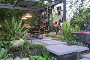 home design garden show cube garden wins top landscape design award abc news