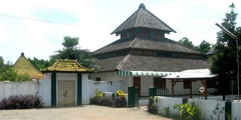 Orbit Tabloid Khas Tokoh Masjid Tegalsari Ponorogo Tempat Nyantri Para Tokoh