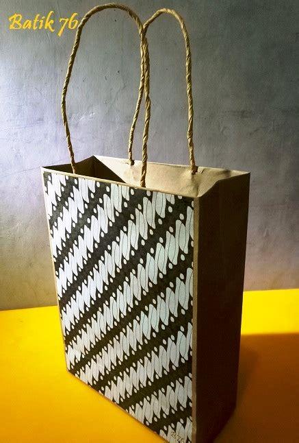 Paper Bag Batik Tas Kertas Batik Tanggung Isi 12pcs jual paperbag tas kertas handmade batik motif parang klasik kartu ucapan batik kartu ucapan