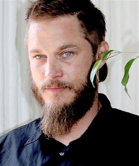 how to shape a beard like travis fimmel do i really look like a guy with a plan travis fimmel