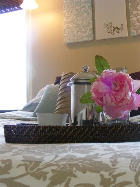 home staging bedroom the complete guide to imperfect homemaking home staging 101 bedrooms