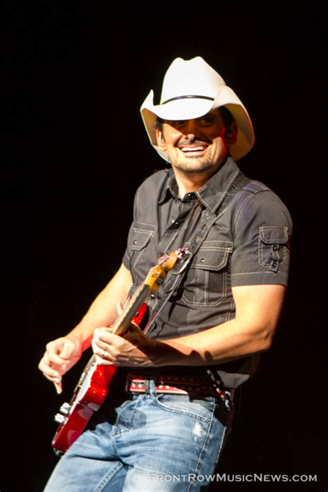 country music concerts in america 2014 brad paisley concert in chicago front row music news