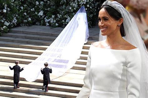 hochzeitskleid megan meghan markle wedding dress photos bride wears givenchy