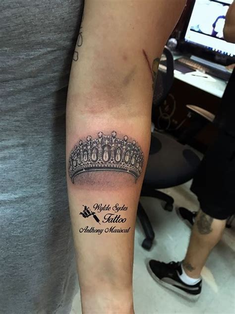 prince crown tattoo best 25 princess crown tattoos ideas on name