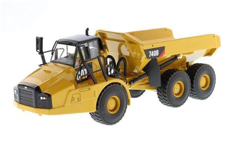 diecast masters caterpillar  articulated hauler dump truck