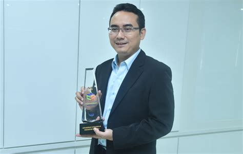 by mohamad azuan md saad on 24 january 2012 at 1230 am young ukm researcher wins new innovator entrepreneurs