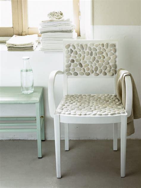 galet de chaise une chaise d 233 cor 233 e de galets