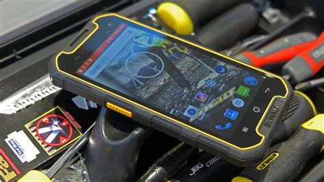 dewalt md rugged smartphone review hard  nails