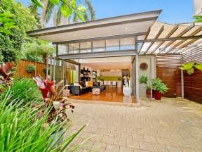 Backyard Retaining Walls Ideas Outdoor Living Design With Deck From A Real Australian