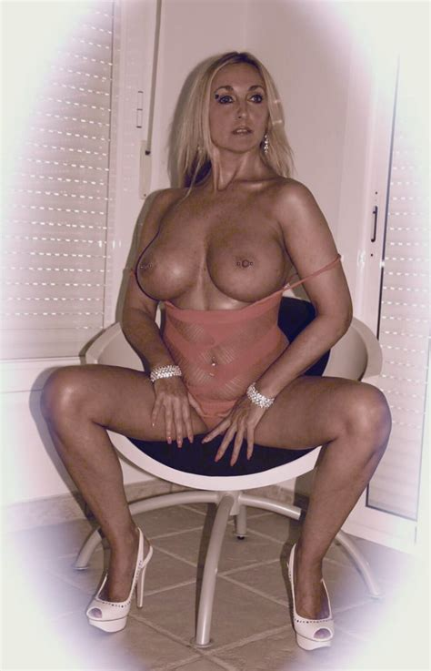 Dutch Pornstar MILF Esther Heart Pics XHamster