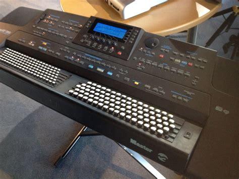 Keyboard Roland E96 Baru roland e96 boutons image 707640 audiofanzine