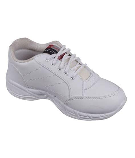 school sport shoes school sports shoes 28 images children running