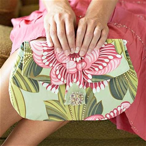 Handmade Clutch Bags Tutorial - clutch purse with antique pin closure tutorial house of