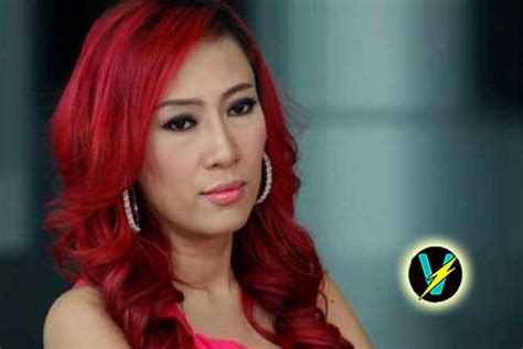 vulgar indonesia singer collapses on stage dies after being