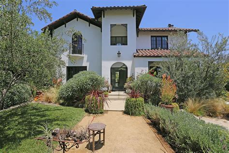 House Los Feliz by Michael C Takes Another Stab At Selling Los Feliz