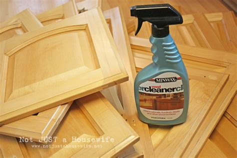 how to get grease off wooden kitchen cabinets clean grease off cabinets inspirative cabinet decoration