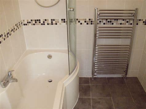 badezimmer design mosaikfliesen - Schwarz Weiß Fliesen Badezimmerboden