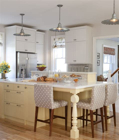 farmhouse kitchen with island glitterista s farmhouse kitchen