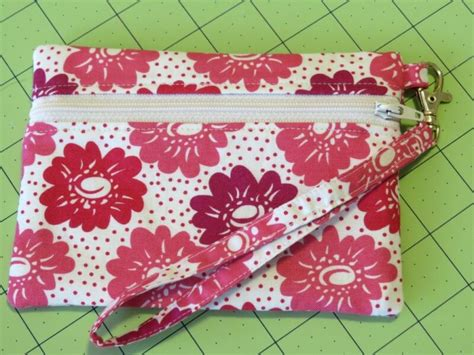 zippered pouch sewing pattern how to make a zippered pouch sew my place