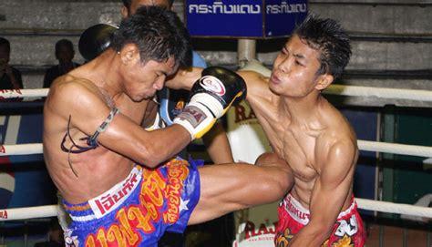 Kaos Sport Boxing Muay Thai Kick Boxing Muay Thai Kickboxing In Thailand Black Tomato