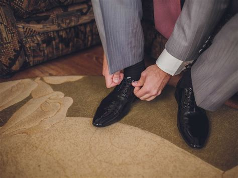 guys wearing shoes reddit s fashion mistakes business insider