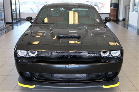 black charger with interior 2c3cdzc92gh142702 2016 dodge challenger srt hellcat