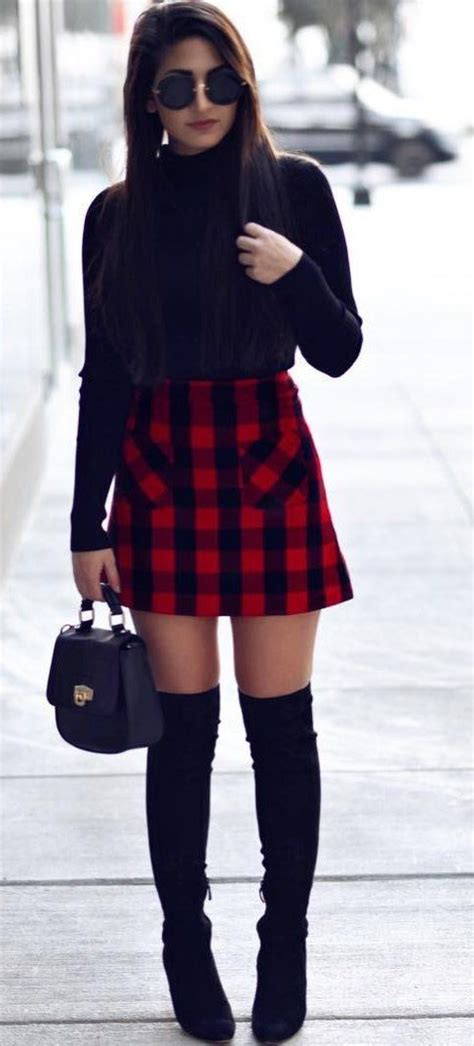 pretty winter outfits black turtleneck tartan