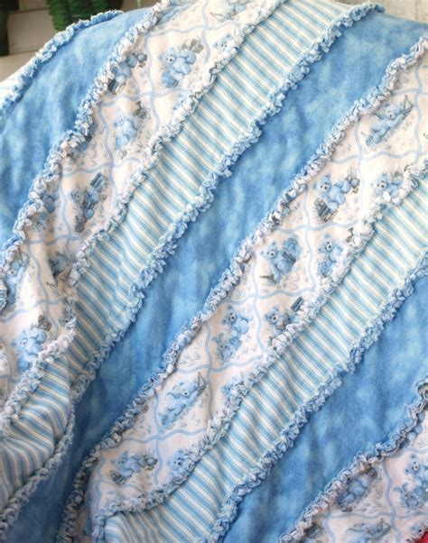 Quilting Blankets by Best 25 Flannel Rag Quilts Ideas On