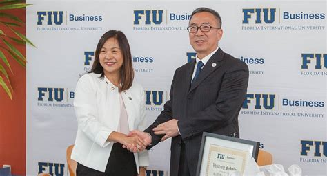Fiu Mba Application by Fiu Business Partners With Uibe In China For Academic