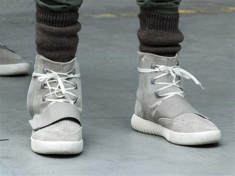 sneakers  kanye wests bizarre  york fashion