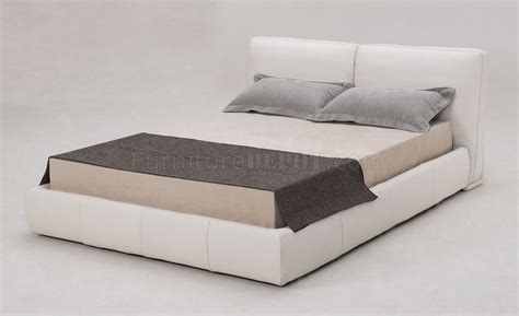 Cushioned Headboards by White Italian Leather Modern Bed W Cushioned Headboard