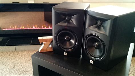 Speaker Aktif Jbl Lsr305 z review jbl lsr305 powered monitors