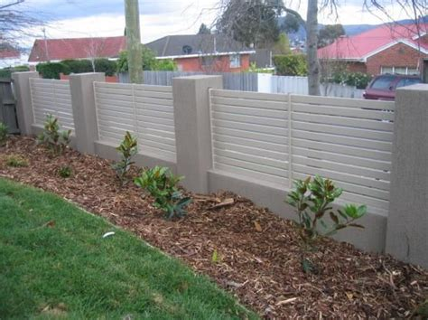 Design For Front Yard Fencing Ideas Best 25 Concrete Fence Ideas On Pinterest Modern Fencing And Gates Modern Fence Design And