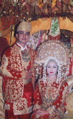 pakaian adat tradisional sumatra barat wonderful indonesia